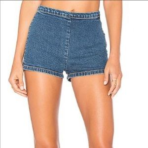 GRLFRND / revolve BNWT  Diane Jean shorts size 27
